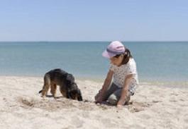 dog & child digging Feb 2019